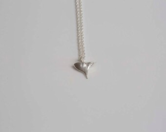 Silver rose thorn/rose thorn in sterling silver/silver rose thorn pendant/silver thorn necklace/silver rose thorn/hand cast thorn