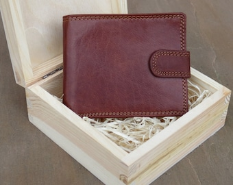 Handmade Rfid Leather Wallet In Pine Wood Gift Box