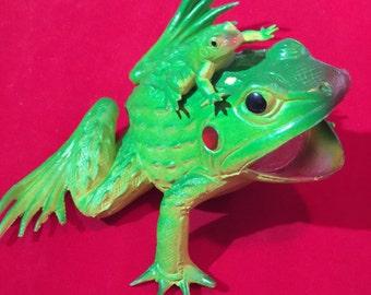 Rubber Frog, Vintage Frog, Plastic Frog, Halloween Prop, Halloween Costume, Halloween Toys, Halloween Decor, Vintage Halloween, Plastic Frog