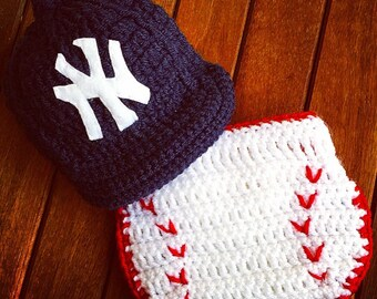 Newborn NY Yankees  baby cap and diaper cover set