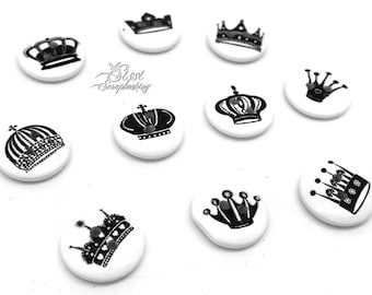 MIXED LOT 10 BUTTONS ROUND CROWN KING CROWN WHITE AND BLACK SCRAP SEWING SCRAPBOOKING BEAD