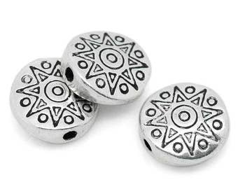 25 Antique Silver Carved Sun Pattern Spacer Beads 10mm (B158a)