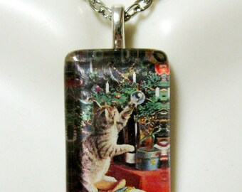 Under the Christmas tree kitty pendant and chain - CGP09-002