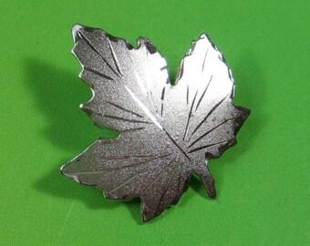Maple Leaf Pin Brooch in Sterling, Vintage