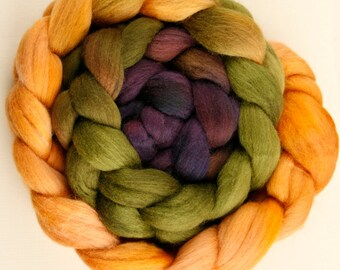 Hand dyed combed NZ Merino wool for felting and spinning - 100gr - graduate dyed - Orchard