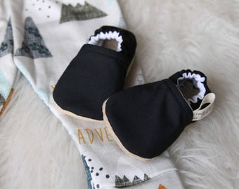 Black Baby Shoes, Baby Boy Shoes, Baby Girl Shoes, Black Baby Shoe, Black Baby Shoes, Baby Moccasins, Baby Shoes, Baby Booties, Black Bootie