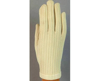 1960s Van Raalte Off White Cream Colored Ladies Textured Knit Nylon West Germany Mid Century Vintage Daytime Gloves Size B