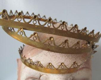 Antique Brass Crown Trim - 12 Inches