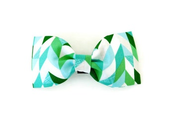 Green and blue herringbone dog bow, herringbone dog collar bow, green holiday dog bow tie, green cat bow tie, multicolor bow,