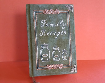 Antiquarian style, blank recipe book, forest green, personalized cookbook, gift for her, gift under 40, small size (6x8 inches)