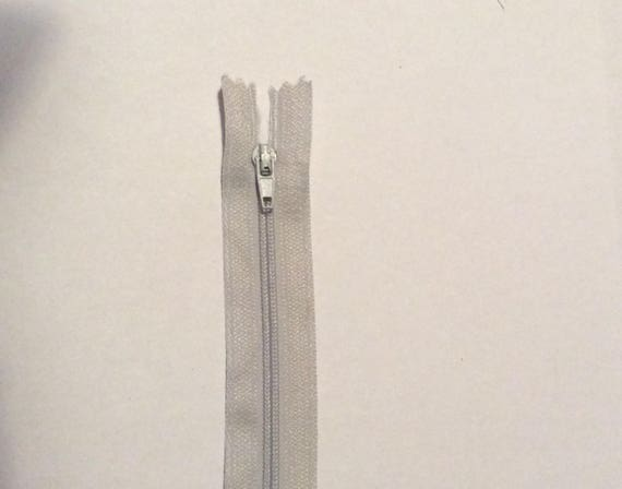 """Nylon coil zipper, 20cm (8""""), light grey"""