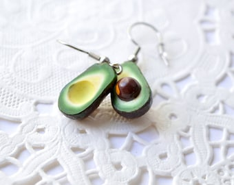 Avocado polymer, gourmet gem, gourmet creation in polymer clay, Fimo, sweet jewelry, costume jewellery lawyer, creating cute polymer clay