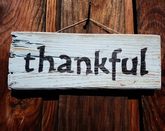 Thankful rustic wood sign | rustic Thanksgiving decor | reclaimed pallet sign | reclaimed wood sign | Simple Thankful sign | rustic holiday