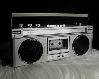Vintage Crown CSC-925F Mini Ghetto Blaster Rare Boombox Cassette Recorder Made in Japan- Retro Boombox 1980's Japanese Electronics Old Radio