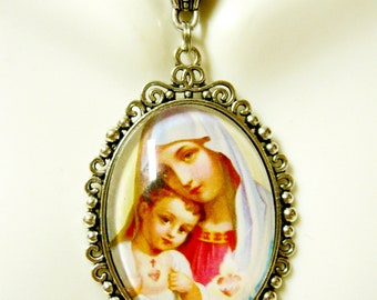 Our Lady of the Sacred Heart pendant and chain - AP09-024