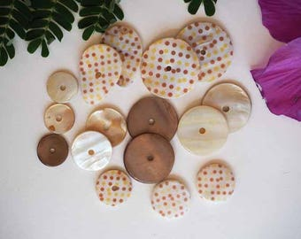 Lot 16 mother-of-pearl beads, 30 by 15mm, with polka dots and plain, beige and brown tone