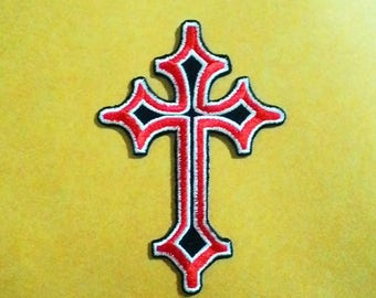 Rock Crucifix/rood embroidered iron on patch.