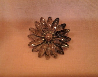 Vintage enamel flower pin. Mod flower pin, 1960's, Retro, FREE Shipping!