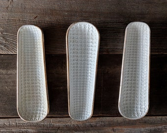 S/3 White and Gold Ceramic Corn on the Cob Holders Vintage