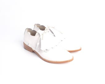 Shoes | Women's Shoes | Oxfords & Tie Shoes | Pointed Toe Shoes | White Shoes | White Italian Leather Pointed Toe Shoes | Floral Detail