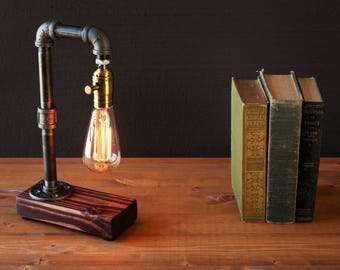 Edison lamp-Rustic decor-Unique Table lamp-Industrial lighting-Steampunk lamp-housewarming gift for men-bedside pipe lamp-desk accessories