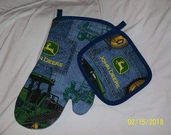 John Deere Tractor Country Oven Mitt and Hot Pad Pot Holder Set CUTE