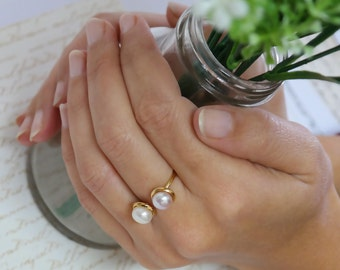 Bridal Pearl Ring, Open Ring, Unique Stacking Ring, June Birthstone, Pearl Ring, Pearl Stacking Ring, Gold Pearl Bridesmaid Ring, For her
