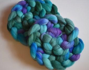 Aquatic - hand dyed merino roving - 4 oz spinning fiber - felting wool - hand painted spinning fiber - purple and blue roving - wool