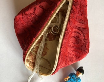 Zippered travel pouch, pod for your treasures