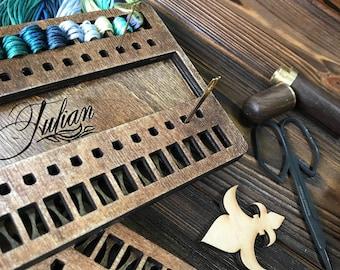 Wooden needle and thread organizer