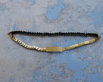 vintage 80s Metal Belt - Floral Embossed Brass Elastic Cinch Belt Stretch Belt Skinny Belt Sz M L