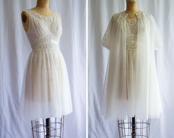 1950s Peignoir Set   Lily   Vintage 50s White Nylon Chiffon Floaty Robe Matching Nightgown Lace Trim Bridal Vanity Fair Lingerie / S Petite