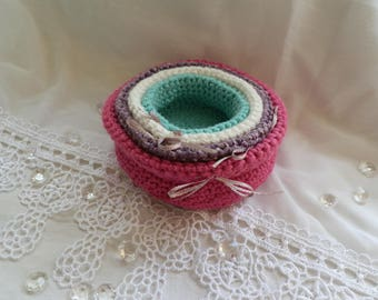 Set of 4 small baskets in crochet