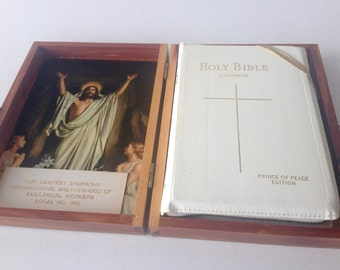 Vintage Memorial Holy Bible Prince of Peace Protestant Edition New Old Testament In Wooden Box Religious