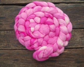 Handdyed merino roving top 3.5 oz (100 gr) for spinning, felting, weaving