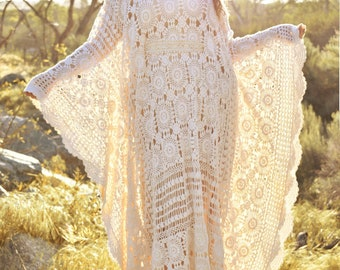 Plus Size Vintage Crochet Lace Draped Caftan Hippie Boho Gypsy Festival Wedding Maternity One Size OS Wedding Dress