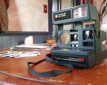 Polaroid 600 Camera - Sun 660 Autofocus