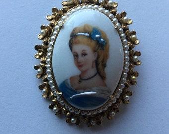 Vintage Florenza Limoges France Porcelain Cameo Pin