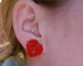 Red rose flower resin plastic stud earrings
