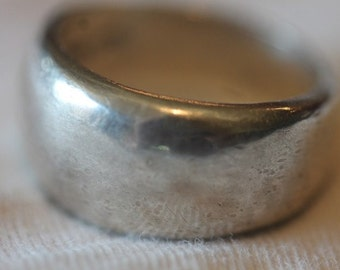 Signed sterling silver plain band ring size 7.5