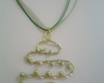 Wire beaded aluminium pendant