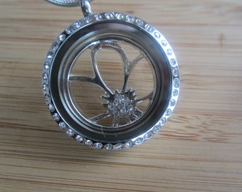 Flower outline floating locket window plate with rhinestones- flower necklace Valentines gift for girlfriend mother's day gift bridesmaid