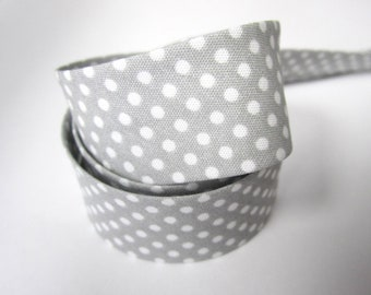 3.25yds / 3m - 18mm patterned bias binding - small white polkadot on pale grey dove grey gray