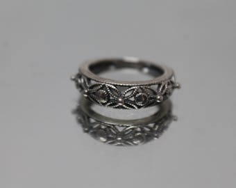 925 - Vintage beaded & Floral Designed Themed Ring in Sterling Silver - Size 5.25