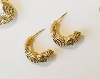 Twisted Long Earring, Twist Mobius Earring, Unique Gold Stud,Half Hoop Earring,14k Gold Large Earring 3D Printed Jewelry