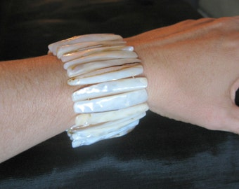 White Mother-of-Pearl Shell bracelet stretch, natural shell cuff bracelet stretch, summer jewelry, beach shell MOP bracelets abalone