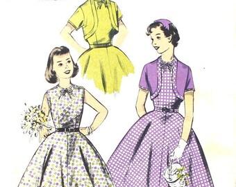 Girl's Full Skirted Dress Size 12.5 Bust 33