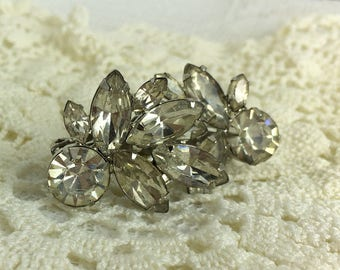 Vintage Weiss Sparkling rhinestone clip on earrings