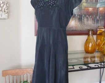 1930-40s Black Taffeta Dress with Lace Applica/House Dress All Occasion