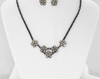 Gothic Victorian black beaded necklace flowers with earrings